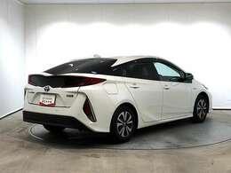 トヨタ純正アルミホイールです。軽量なので、燃費の向上が期待できます!