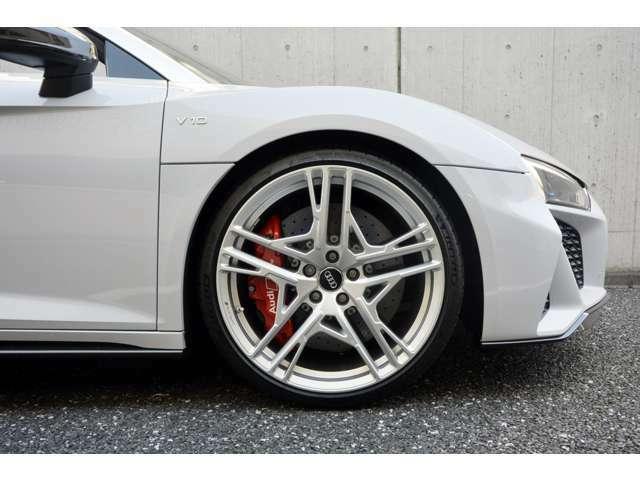 ■カーボンセラミックブレーキ/グロスレッドキャリパー