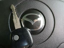 ボタンひとつでドアの開閉が可能で便利な【キーレスキー】付!弊社推奨のセキュリティをつければさらにお車をしっかり守れること間違いなし☆