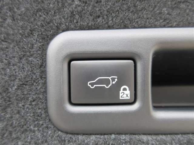 ★パワーバックドア★スイッチ操作でバックドアを開閉することができます!