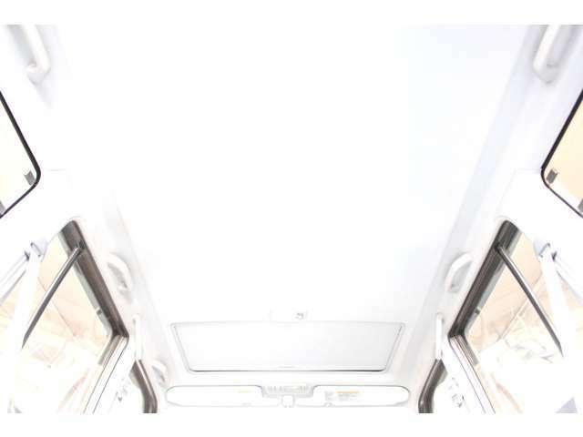 電動サンルーフ付き☆