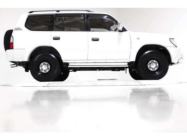新品社外ヴィンテージマッドブラック16インチアルミホイール!!貨物対応ホイール!!背面タイヤもヴィンテージ16インチホイールに変更済み☆