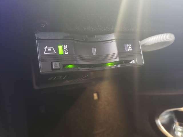 ETC2.0車載器。高速道路上に設定されているITSスポットからドライブに役立つ情報が取得できます。