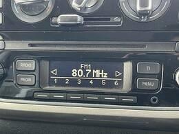 純正CDオーディオ装備。ラジオ視聴も可能です。専用キットにてカーナビ埋込での取付も可能です。