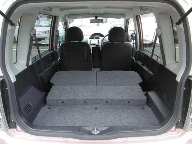 セカンドシートを畳むとより広いスペースが確保できます!