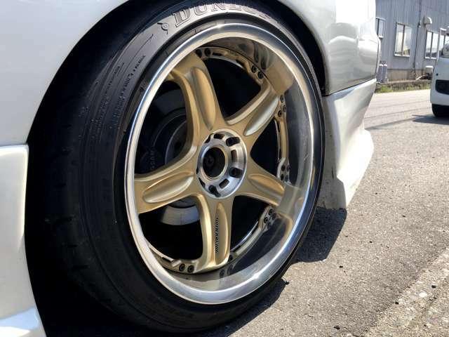車高調 VOLKレーシング18アルミ ダンロップZ3タイヤ