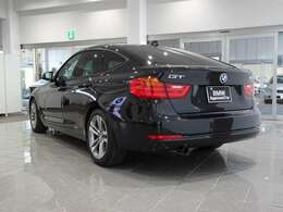 BMWを熟知したメカニックよる100項目の納車前点検☆ドイツ本国と同様の教育・訓練を受けたBMW専門メカニックが100項目にも上るポイントを徹底的にチェックいたします。