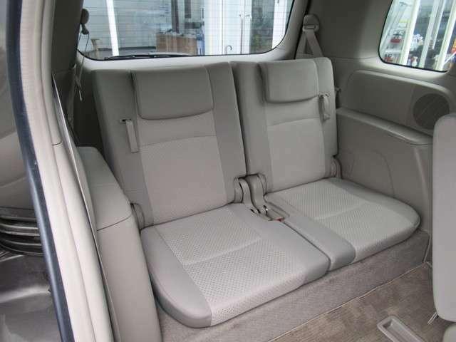 使用感の少ない綺麗な車内でみんなでお出かけしませんか?思い出をたくさんつくれますよ。