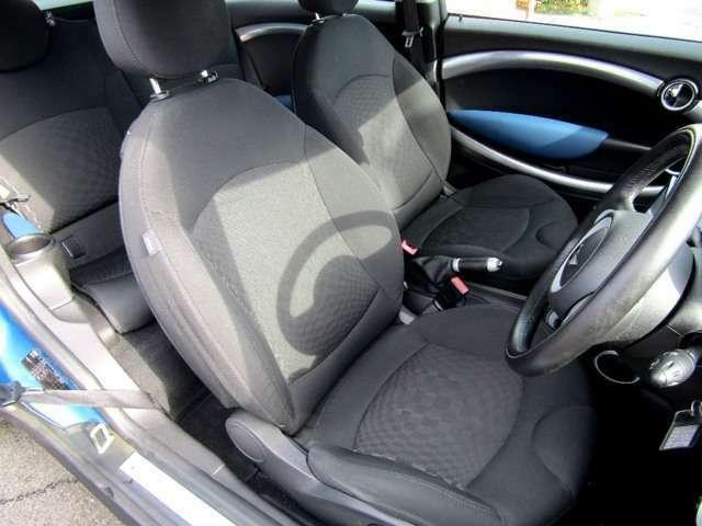 運転席のシート画像になります!