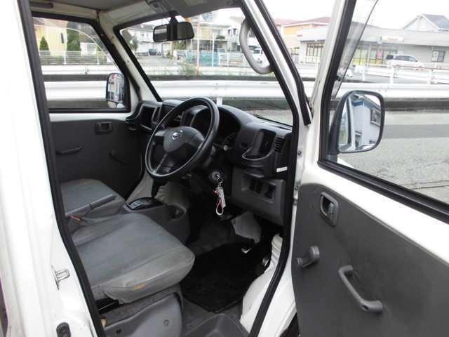 安全のドライビングルーム高速道路も楽々ETC付きです。