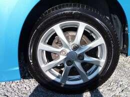 純正14インチアルミホイール!タイヤは8分山以上!軽自動車中心のラインナップ!修理・車検・各種カスタム・部品販売もご相談ください!