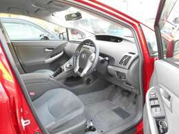 当社自慢の「くるまるクリーン」施行済み☆ボディはもちろん、エンジンルームや車内の隅々まで徹底洗浄&消臭・除菌加工しています♪