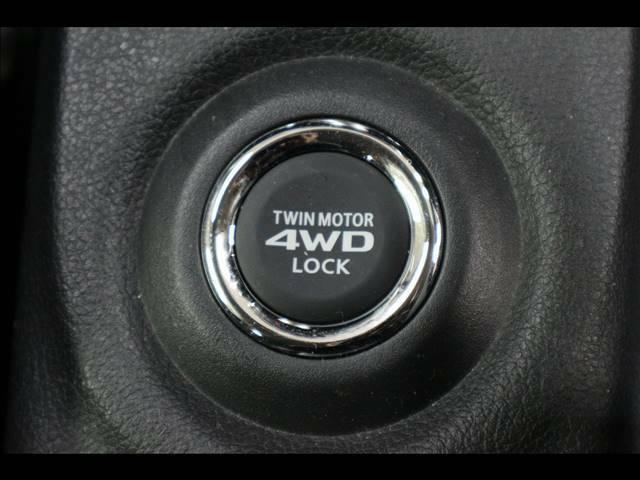 人気の☆4WD車両☆