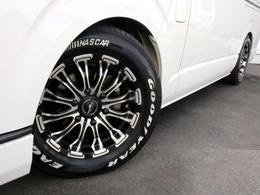 バトルシップ16インチホイールを装備! タイヤはナスカーホワイトレタータイヤが合わせてあります。