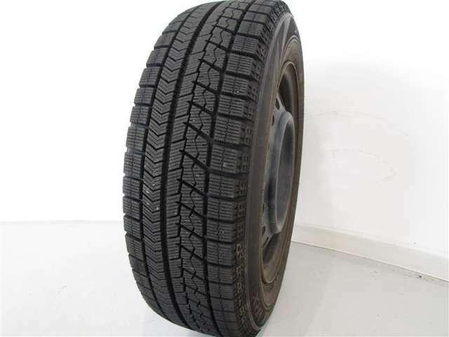 H31年式冬タイヤ175/65R15ブリヂストン製です。