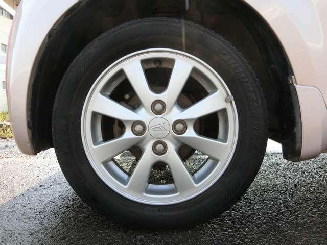 ダイハツ純正14インチアルミホイール!タイヤは国産一流メーカー品!まだ使用できます!