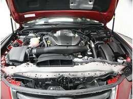 2000ccガソリンエンジンです