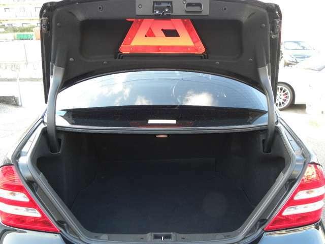 トランクもご覧の通り!かなりの容量で使い勝手も良好です!
