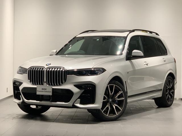 BMWのフラグシップSUVのX7が入庫いたしました。6人乗りのゆったりとした空間が魅力のお車です。ぜひ一度ご来場くださいませ。