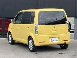 ちっちゃな黄色いボディは後姿もかわいいです。