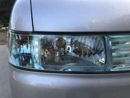 ヘッドライト左右共に磨きコーティング施工済みで黄ばみもなくヘッドライトが透き通っており気持ちがいいですね。