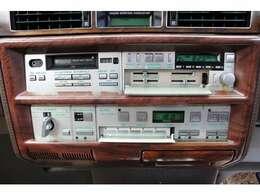 純正ラジオ&カセットデッキ搭載です♪
