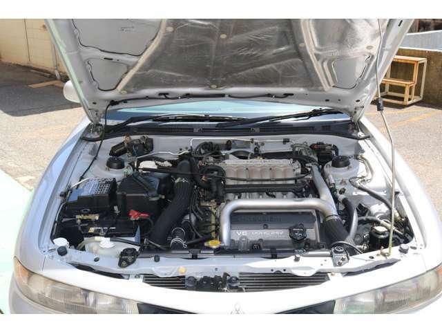 V6エンジンでスムーズにな吹き上がりをご堪能ください。