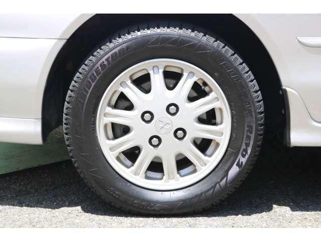 タイヤ交換もお気軽にお問い合わせください。現在はスタッドレスタイヤがついてます。