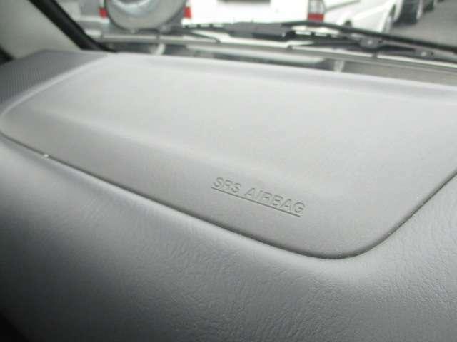 フルエアロや大径アルミホイール、本革シートなどの車両や、パワースライドドアやHIDヘッドライト(キセノンヘッドライト)、サンルーフなどが装備された車両も多数展示しています。