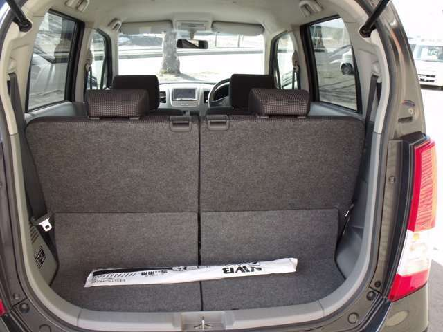 トランクも必要じゅうぶんな広さを確保しています。