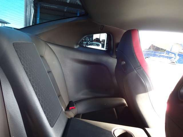 お車でのアクセスは、上信越自動車道【信州中野インター】から約5分。お気軽にご来店下さい。大きなスズキの看板が目印です。