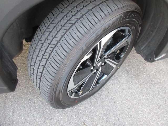 タイヤの溝もタップリあります