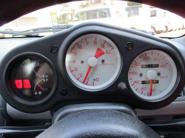 スピードメーター&タコメーターO/H済。燃料計&水温計交換済