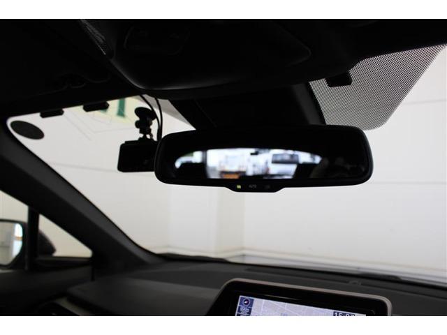 単眼カメラとレーザーレーダーを併用した検知センサーとそれに基づく総合的な制御により、事故の回避や衝突被害の軽減をサホートします。