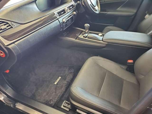 ★☆★全国の新車ディーラーで修理が出来る保証を1年間無料にて全車(一部車両を除く)にお付けしておりますので、遠方の方も安心です。保証範囲は、エンジン機構・ミッション機構・レッカー等が含まれます。★☆★
