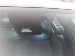 トヨタセーフティーセンス装着車!追突事故などへの予防安全のための装備で、被害軽減をサポートしてくれます!ドライブレコーダーも付いてます!