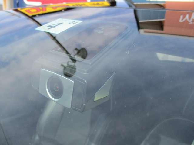 純正ドライブレコーダーも搭載です。万が一の事故の時にはとても役立ちます。