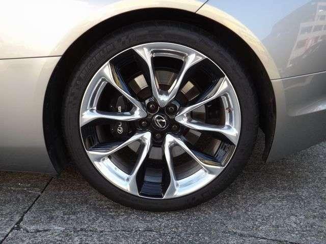 専用21インチアルミ  タイヤの溝は前後4本共に、5分以上です