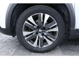 タイヤサイズは、195/60R16となっております。スタッドレスもご相談ください。