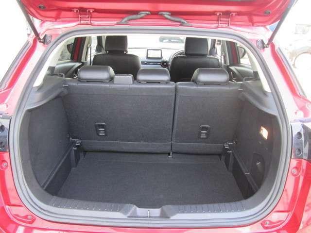 日常使いには十分なスペースを確保!開口部も広く積み下ろしも楽々!