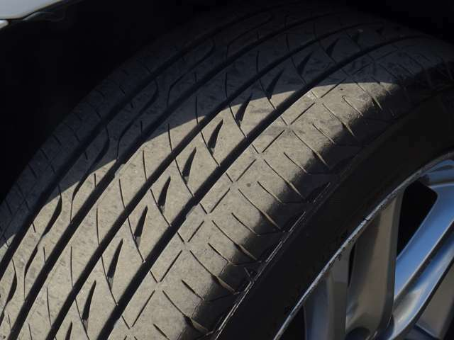 タイヤはブリヂストン レグノGR-XIIが入っております!