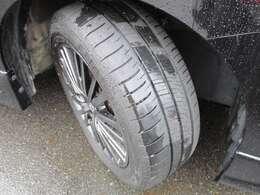 225/55/18の新品タイヤを装着済み!