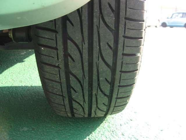 タイヤの溝のたっぷり