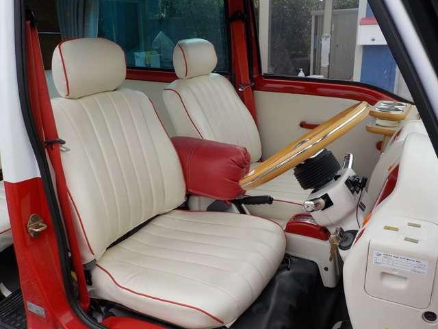 希少な専用シートカバーです。フルオーダーで高価な一品。