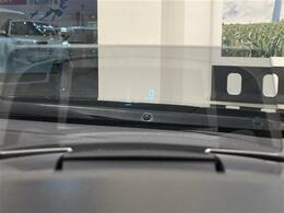 ヘッドアップディスプレイで運転中の視線の移動を抑えられます!