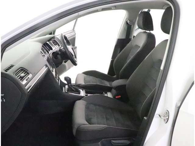★ボディには衝突吸収構造を採用。頑丈なフレームで囲まれたキャビンが衝突時に高い乗員保護性能を発揮します。