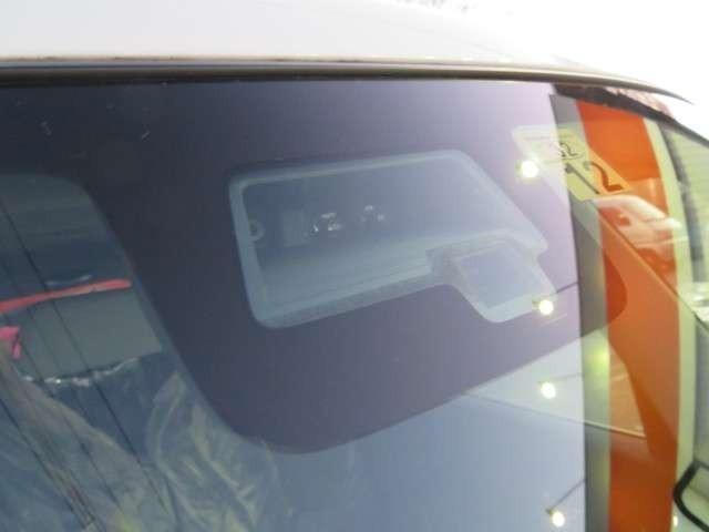 ☆先進の安全技術、デュアルカメラブレーキサポート【衝突被害軽減システム☆ 2つのカメラを搭載したステレオカメラ方式を採用先進の安全技術、警報で衝突回避をサポートします。