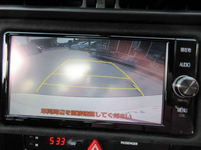 純正SDナビ付き♪ ガイド線付バックカメラ付きで駐車の不慣れな方でも安心ですね♪
