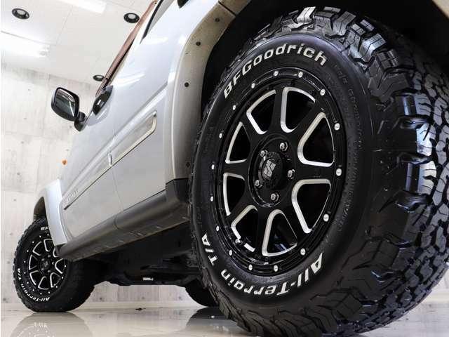 新品アルミにBFグッドリッチホワイトレターオールテレーンタイヤを装着し、アクティブな雰囲気に仕上がりました。