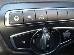 左から、ステアリングアシスト/レーンキーピングアシスト/パークトロニック(コーナーセンサー) 運転支援装備も充実♪